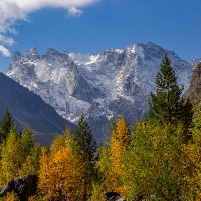 Adyl Su mountains in autumn colors, Caucasus (Vincent de Staercke)