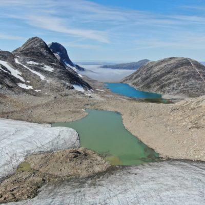 Glacial and non-glacial lakes in Kobbefjord, Greenland (Vincent de Staercke)