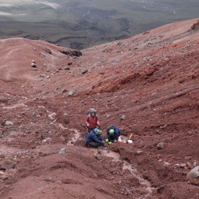 The high-turbidity, low-discharge glacier-fed streams of Cotopaxi volcano, Ecuador (Martina Schön)