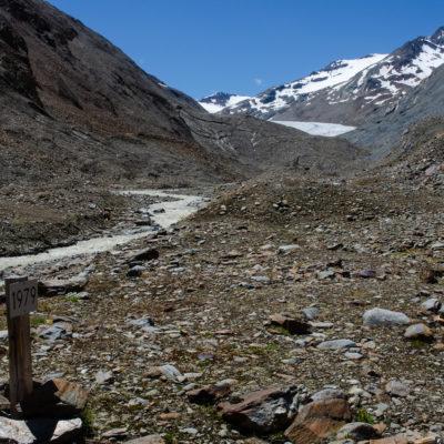 Approaching Hintereisferner glacier, Austria (Matteo Tolosano)